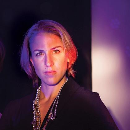 Direkt Demokratisch Love – Laura De Weck